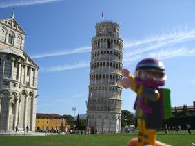スロライ君とピサの斜塔