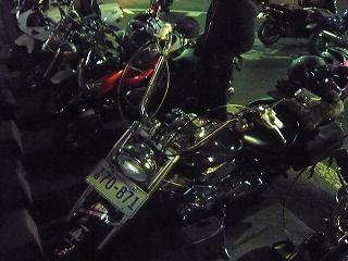 闇夜とバイク