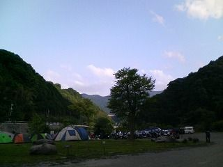 キャンプサイト