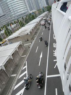 バイクの集団2