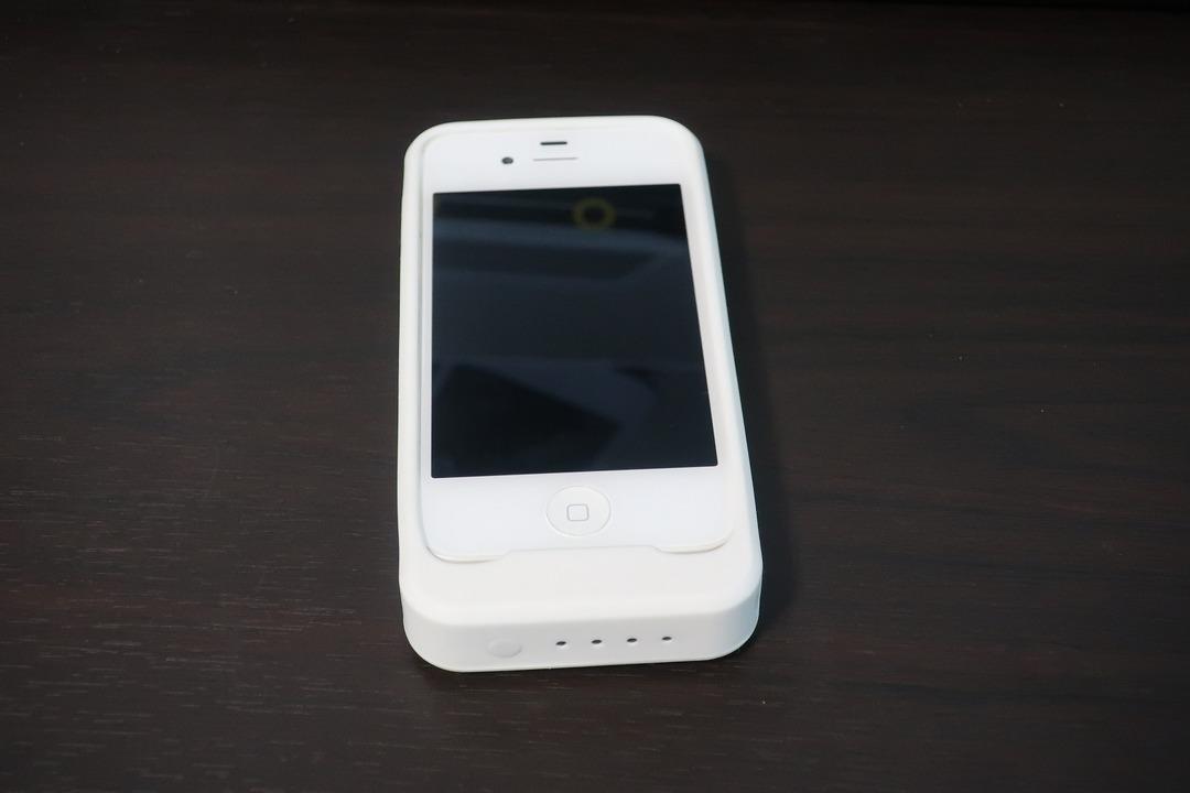 iPhone4sのバッテリー交換 (1)