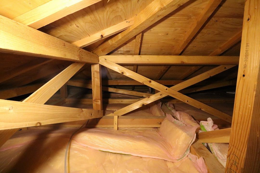 屋根裏収納 (1)