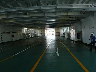 東京湾フェリー船内3
