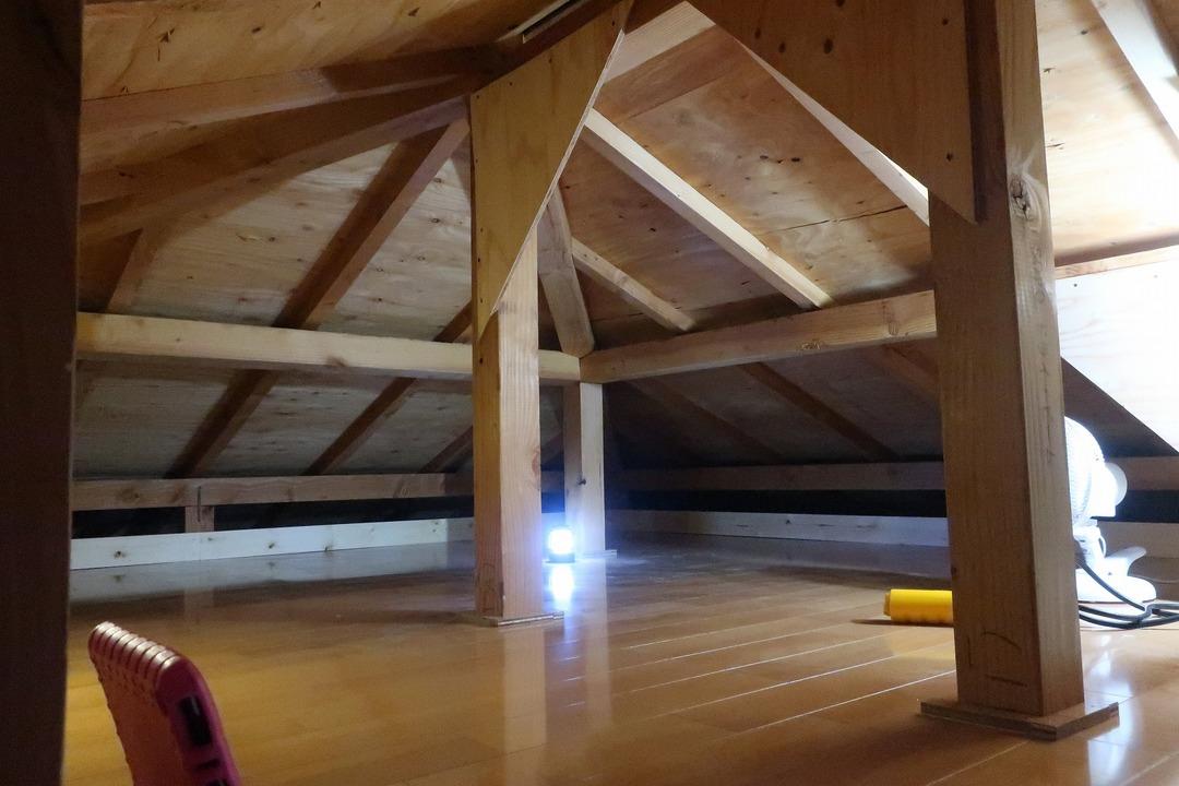屋根裏収納完成 (6)