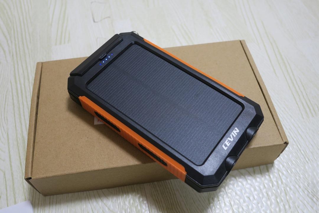 LEVIN 10000mAh モバイルバッテリー (3)