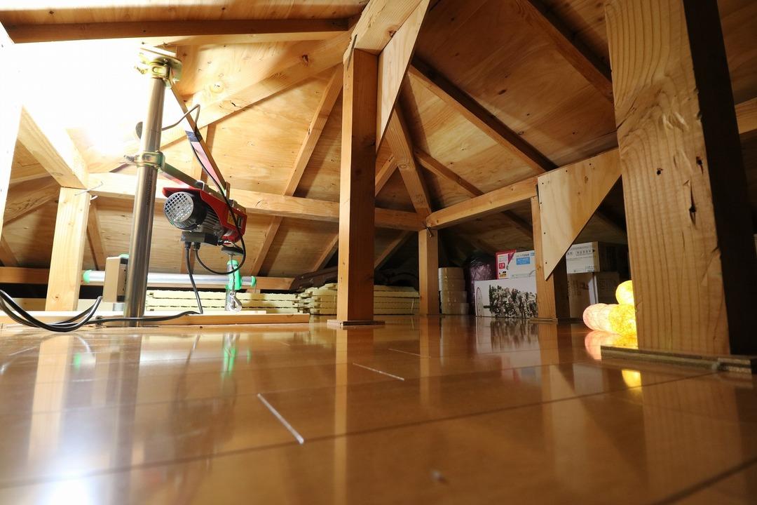 屋根裏収納完成 (10)