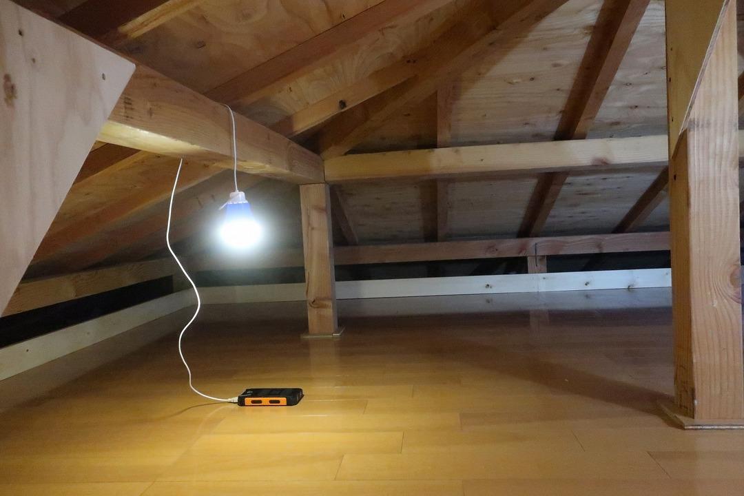 屋根裏収納完成 (5)
