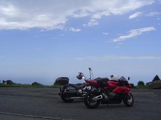空とバイク