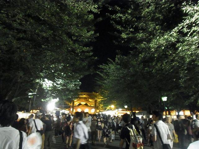 靖国神社みたままつり2011 (12)