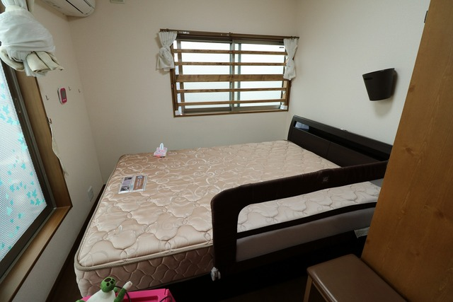 ベッドをカスタム (2)