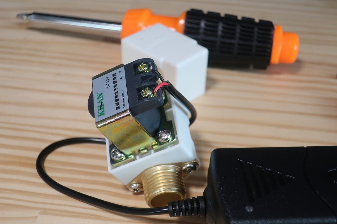 電磁弁で散水栓をオンオフ (9)