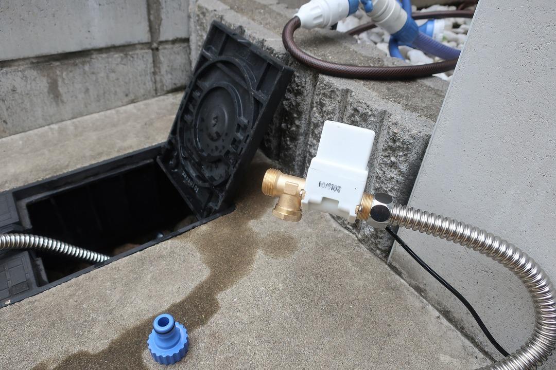電磁弁で散水栓をオンオフ (15)