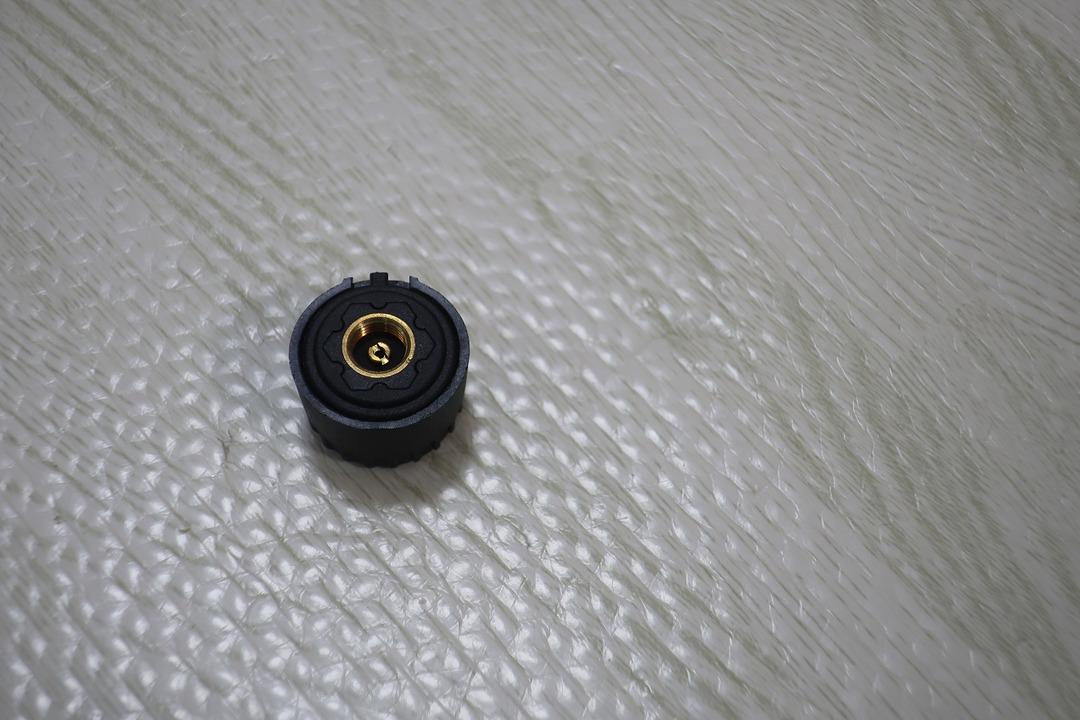 タイヤ空気圧センサー (5)