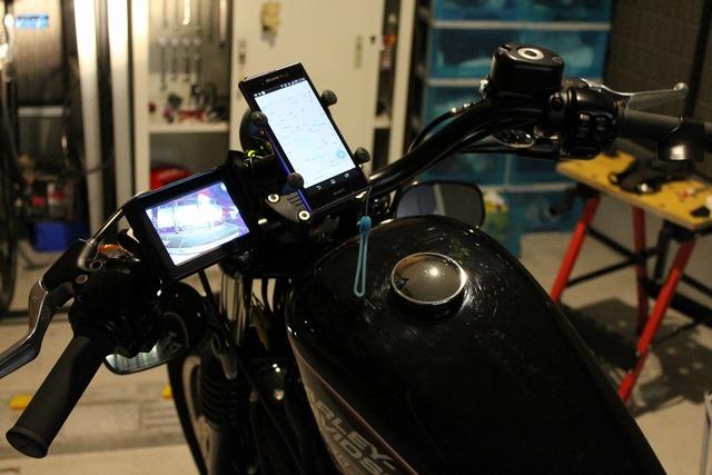 バックカメラとモニター (4)