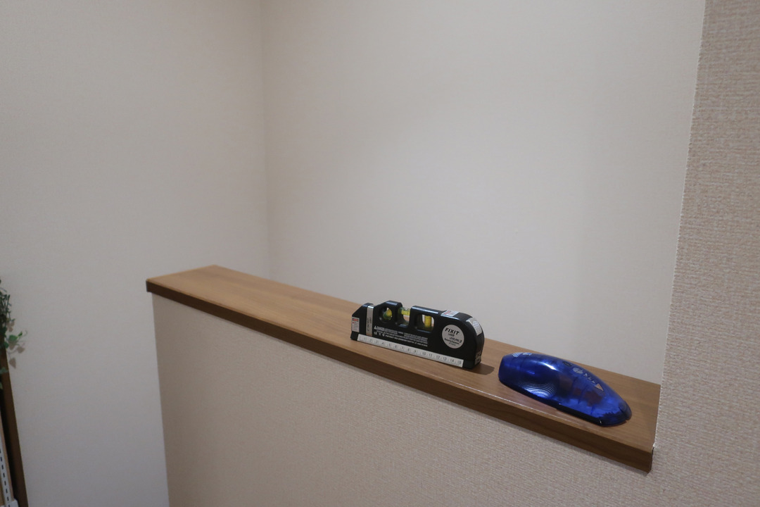 階段上収納 (1)