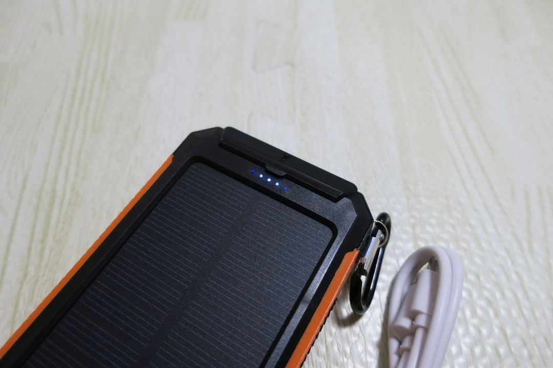 LEVIN 10000mAh モバイルバッテリー (4)