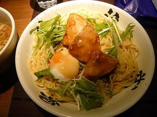 肉餡かけつけ麺