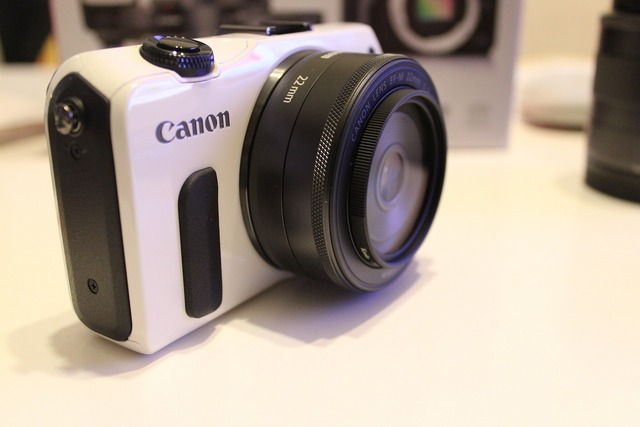 CanonEOSM (9)