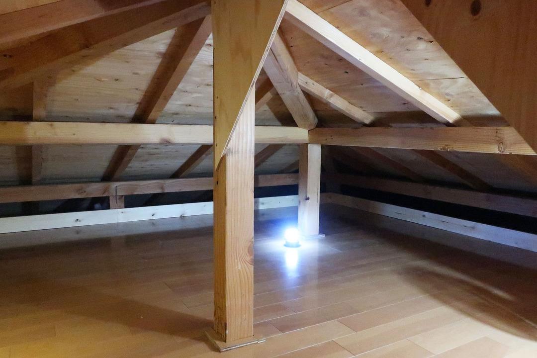 屋根裏収納完成 (4)