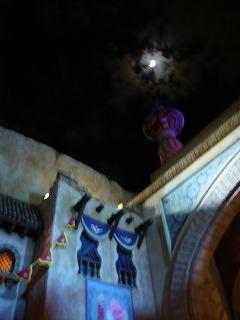 アラビアンコーストと月