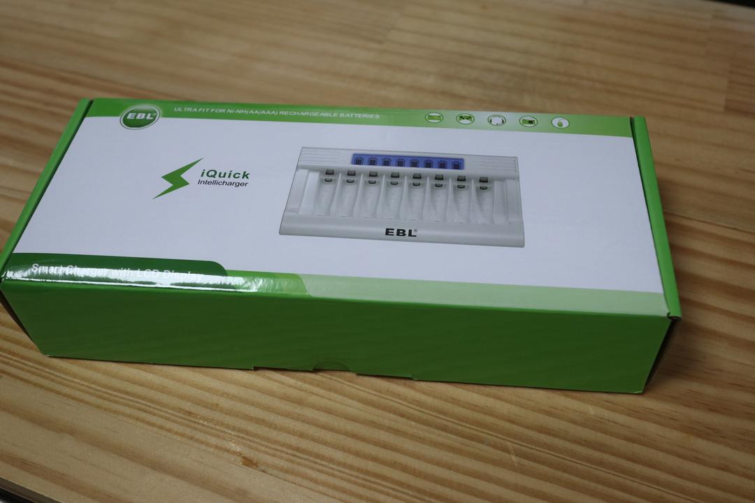 EBL充電器 (1)