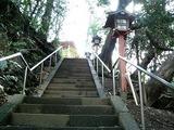 等々力不動尊の階段と燈篭