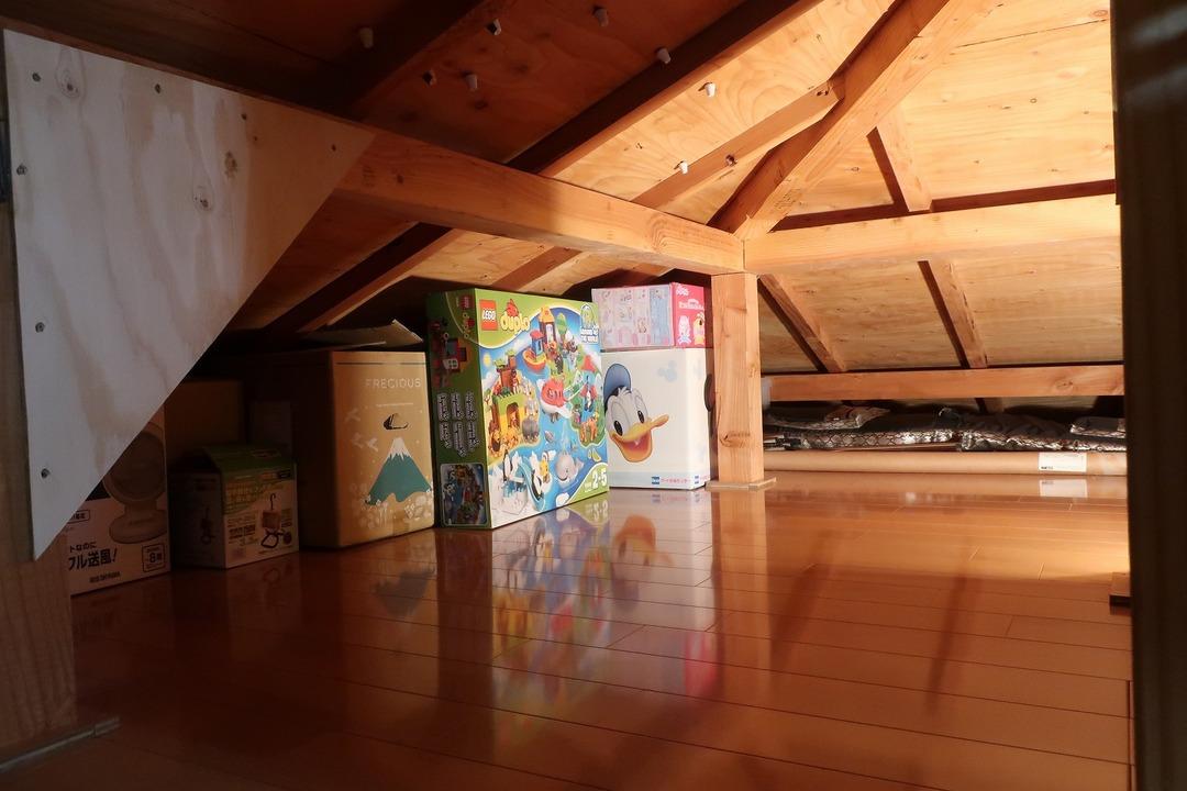 屋根裏収納をカスタム (12)