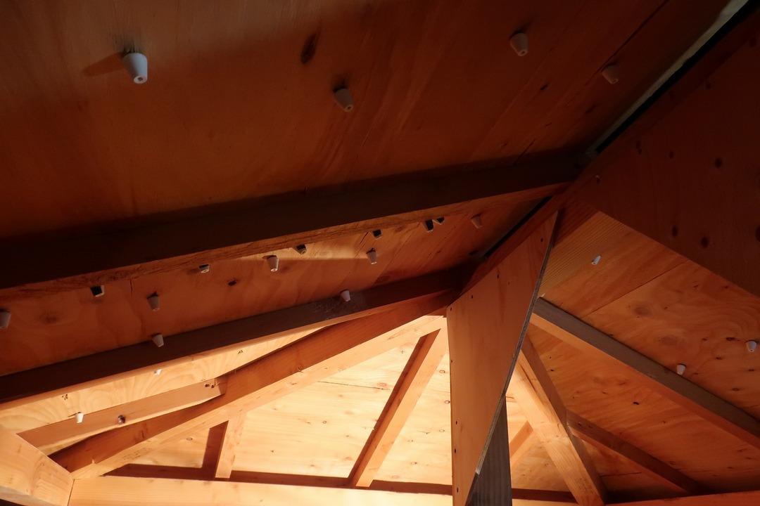 屋根裏収納をカスタム (8)