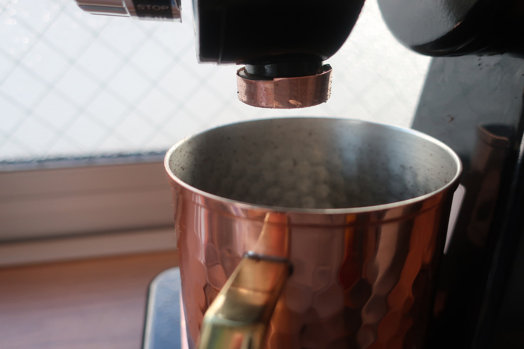 コーヒーメーカーにアースコード (10)