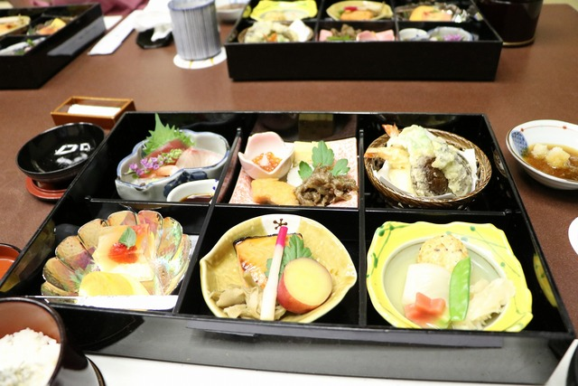 会食 (4)