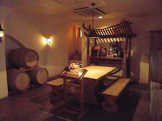 赤富士ワインセラー内002