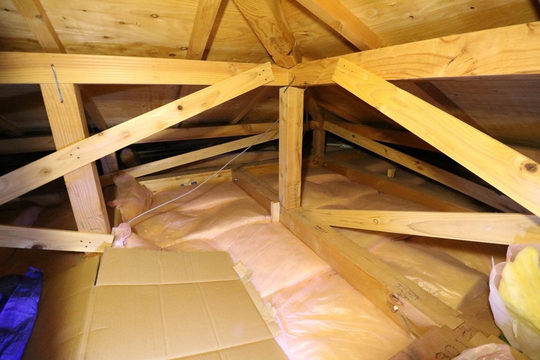 屋根裏収納 (4)