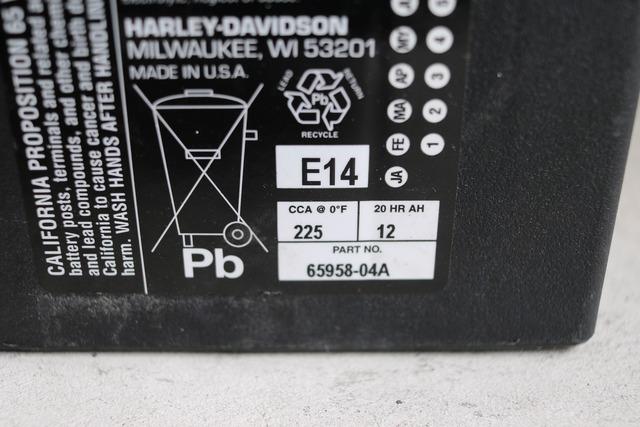 883バッテリー交換 (3)