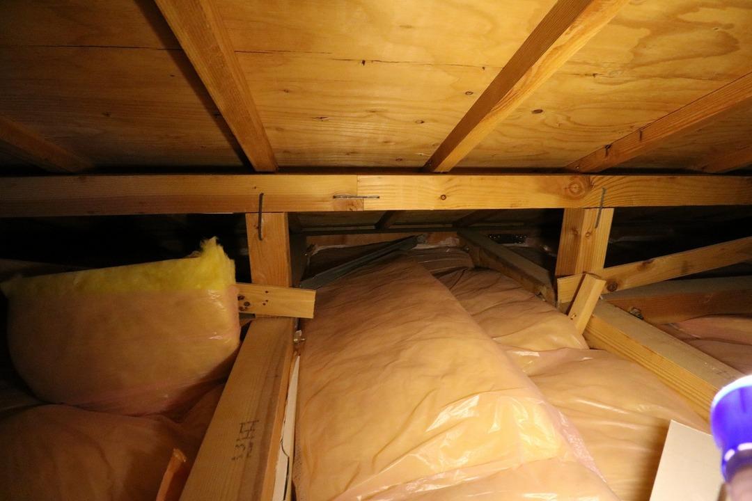 屋根裏収納 (3)