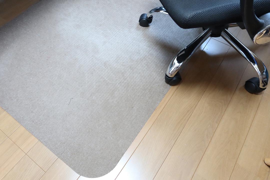 床の保護マット (1)