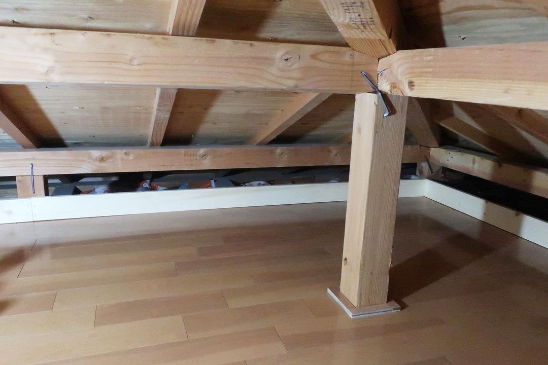 屋根裏収納完成 (2)