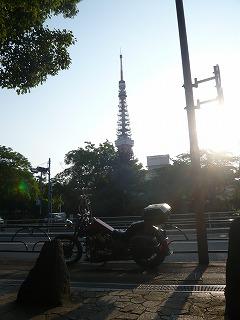 東京タワーとスティード