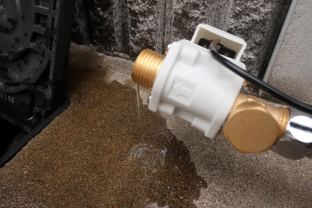 電磁弁で散水栓をオンオフ (16)