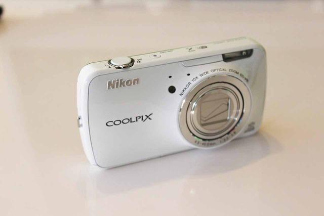 Nikon COOKPIX S800c (1)