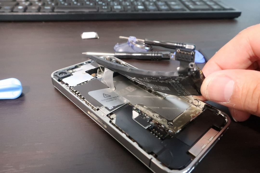 iPhone4sのバッテリー交換 (12)