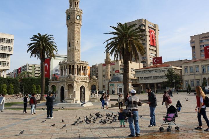 イスタンブール シリア難民 命令