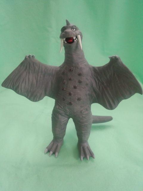 冷凍怪獣ペギラ 正面