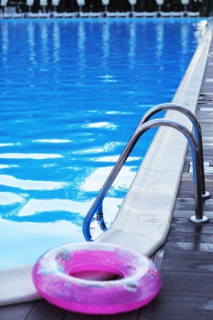 プール(浮き輪)