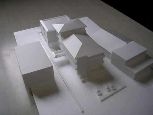 北西方向からの建築模型写真