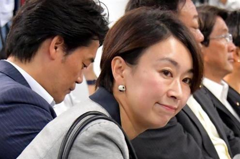 山尾志桜里氏、他人に厳しく、自らの不倫疑惑には口つぐんだまま越年