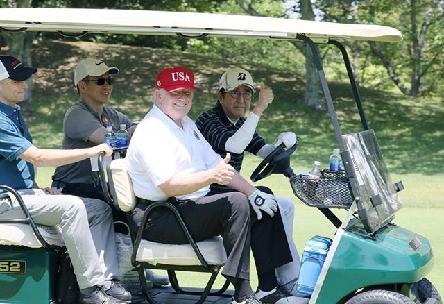 安倍トランプのゴルフ