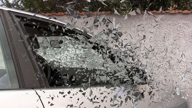 snow-car-automobile-flower-glass-wall-970712-pxhere.com