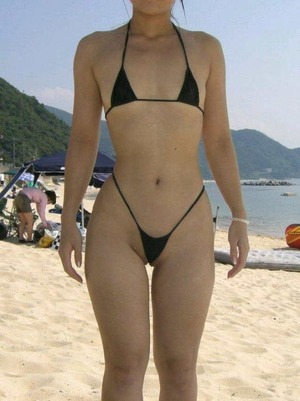 マイクロビキニに透け透け水着!ドスケベ素人のビーチスタイル!
