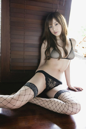 エロい下着や水着をばっちり着こなすwww池田夏希ちゃん画像!