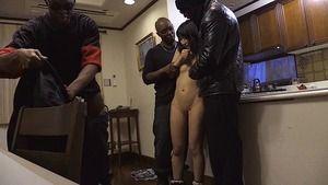 ロリ女優が黒人達のデカチンで犯される体格差↑↑肉便器www